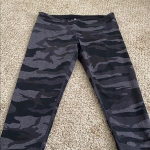 COPY - Black and grey camo leggings